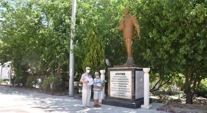 Atatürk'e çelenke ceza