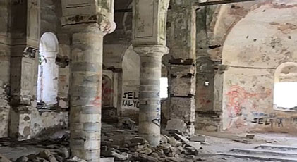 Tarihi kilise yıkılı yıkılacak
