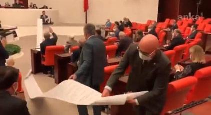 """""""13 metrelik liste AKP'nin sattıklarının listesidir"""""""
