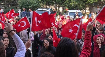 Yarın sabaha İstiklal Marşı çağrısı