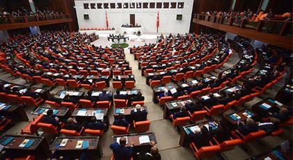 """AKP'lilerin """"Yeni anayasa"""" tarifleri tesadüf mü"""