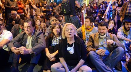 """Gezi gözaltısında """"işkence"""" iddianamesi"""