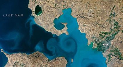 Türklerin uzay aşkı... Van Gölü birinci geldi