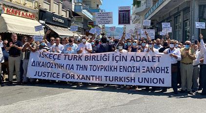 Yunanistan'daki Türkler ayakta