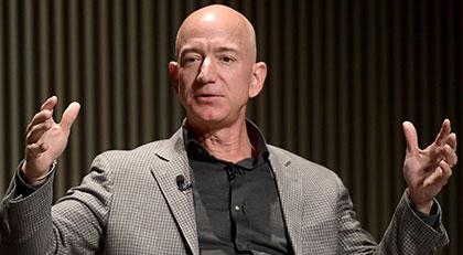 Uzaya çıkan Bezos'a büyük tepki