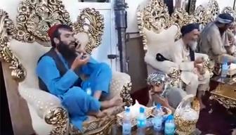 Raşid Dostum'un ele geçirdikleri evinde böyle keyif yaptılar