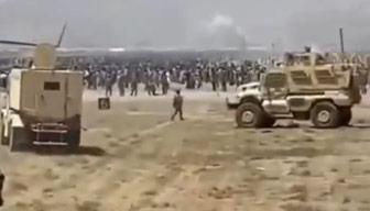 ABD askerleri böyle kaçtı... Kaos görüntüleri