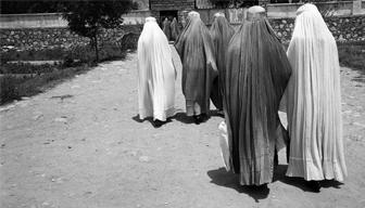 İktidar cenahı Taliban'ı ve kadına bakışını tartışıyor