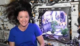 NASA astronotu açıkladı: Çiçek açtı