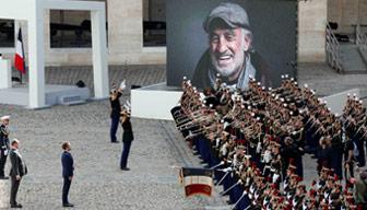 Fransa sanatçısını böyle uğurladı