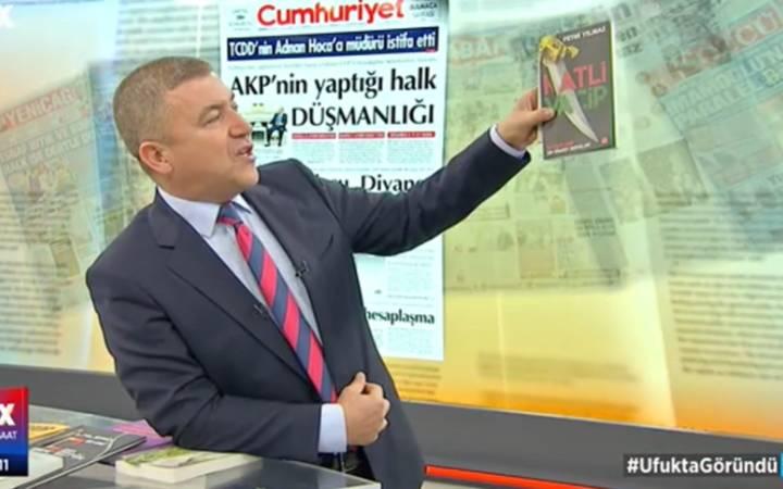 Türkiye'nin konuştuğu kitabı anlatırken böyle konuştu: İçindeki gerçek o kadar etkileyici ki...