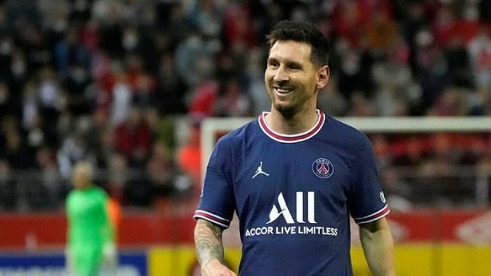 """PSG'den """"Messi'nin maaşı"""" açıklaması"""