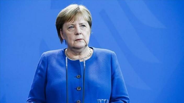 Merkel'i ne hale soktular