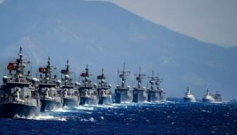 """Yunan gemisine """"müdahale ederiz"""" uyarısı"""