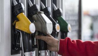 Petrol devinde benzin kalmadı