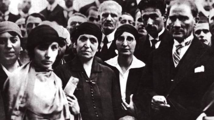 Seçme ve seçilme hakkı önce Türk kadınında