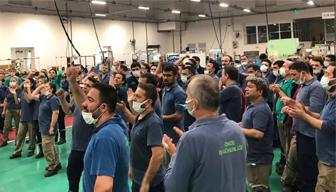 Böyle direnişe başladılar... İşçiler kendilerini fabrikaya kilitledi