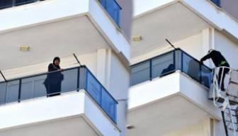 Antalya'da garip olay: Hava almak için çıktığı balkonda...