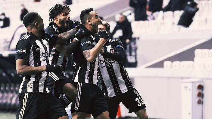 Beşiktaş derbide tam kadro