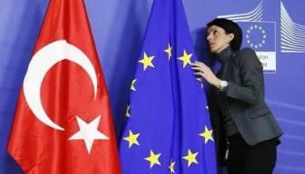 AB'den Türkiye'ye: Üye isen uyacaksın