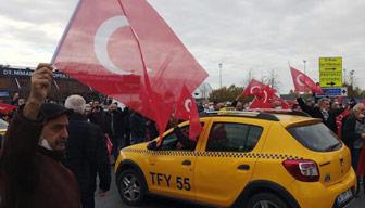 Taksiciler Habertürk muhabirine saldırdı